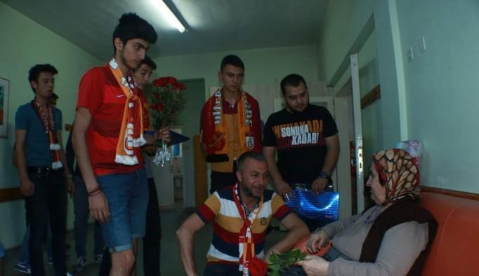 Ultraslan Niğde taraftar grubundan huzur evine bayram ziyareti