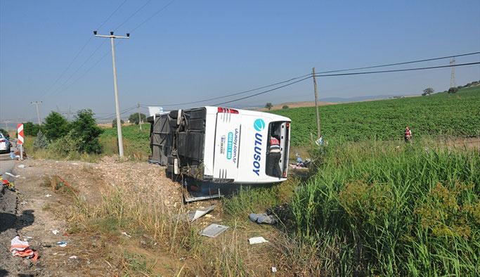 Yolcu otobüsü devrildi, ölü ve yaralılar var