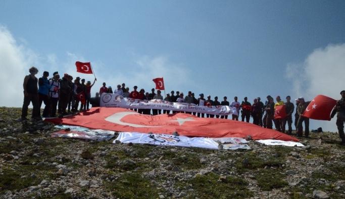 15 Temmuz Şehitleri için Ilgaz Dağı'na tırmandılar