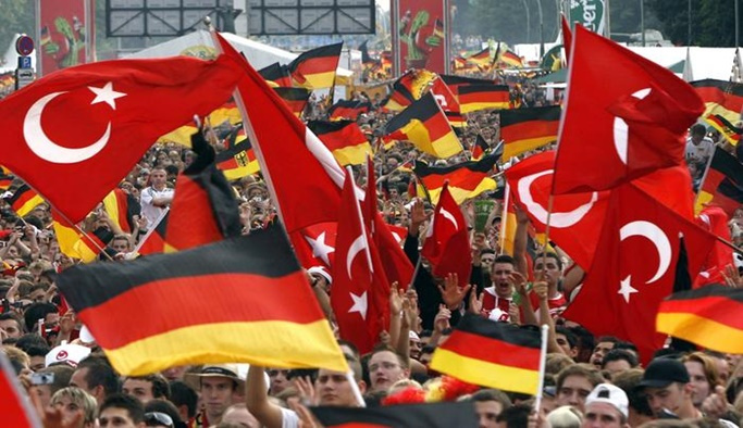 Almanlar Türkiye'nin AB üyeliğine karşı