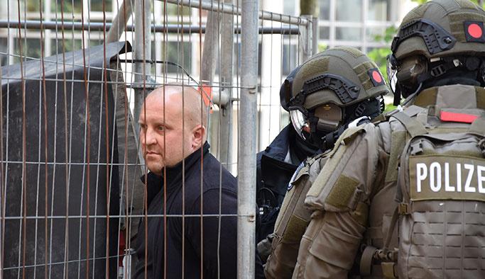 Almanya'da Erdoğan'ın güzergâhında şüpheli şahıs alarmı