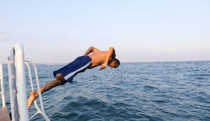 Antalya'da Engelsiz Plaj
