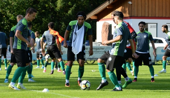 Atiker Konyaspor'un Avusturya kampı başladı