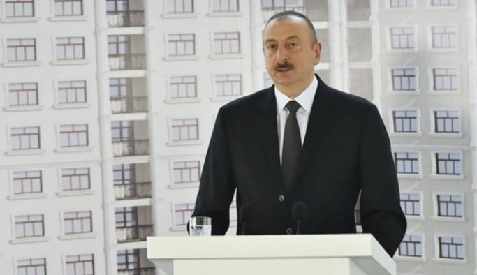 Azerbaycan'da 255 gazeteciye hediye ev