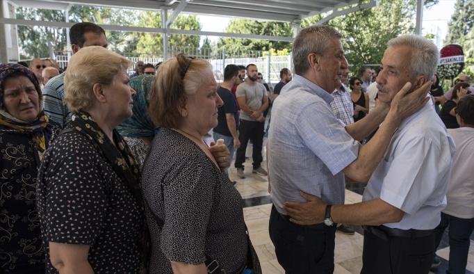 Depremde hayatını kaybeden Kurtoğlu toprağa verildi