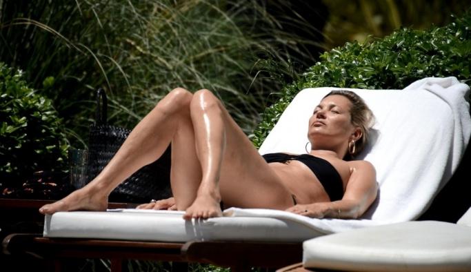 Dünyaca ünlü model Kate Moss Bodrum'da güzelleşiyor