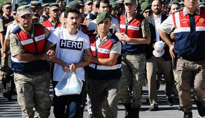 'Hero' tişörtünün cezaevine nasıl girdiği belirlendi