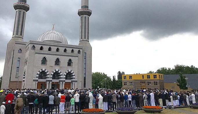 Hollandalı gençler medya yüzünden İslam karşıtı