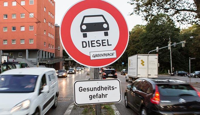 İngiltere'de 23 yıl sonra dizel ve benzinli araç yasak