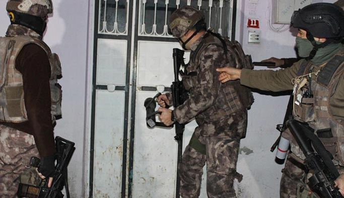 İstanbul'da HDP binasında 'terör faaliyeti'