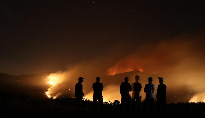 İzmir'de günlerdir devam eden yangın söndürülemiyor