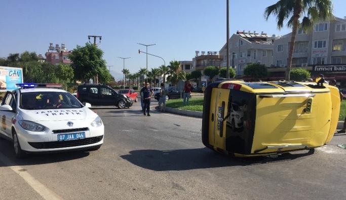 Manavgat'ta trafik kazası: 9 yaralı