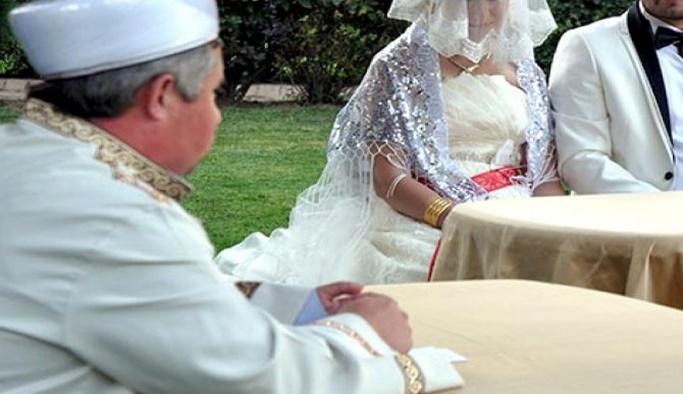 Müftülere nikah kıyma yetkisi verecek tasarı Meclis'e sunuldu