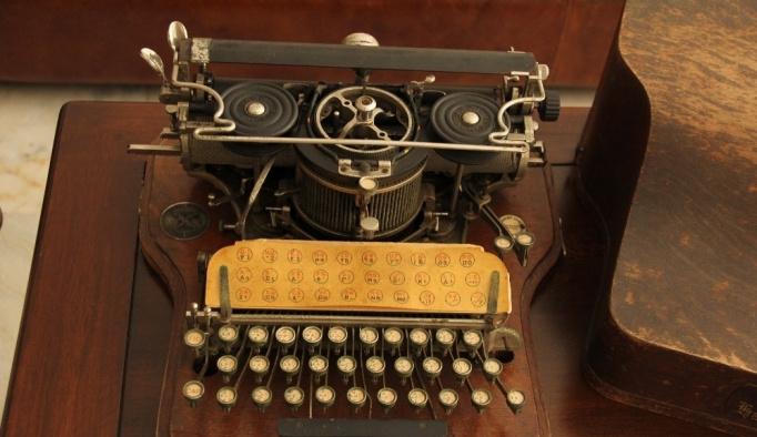 İlk Osmanlıca daktilonun filmleri aratmayan öyküsü