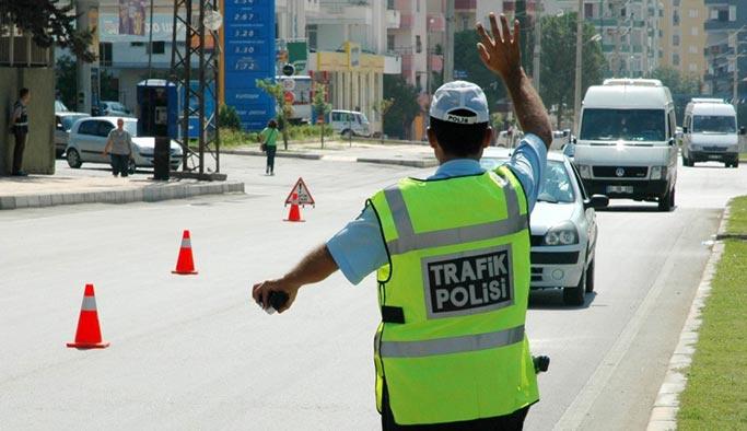 Polis artık resmi plakalı araçları kontrol edebilecek
