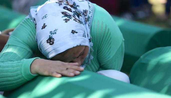 Srebrenitsa soykırımının 71 kurbanı daha toprağa verildi