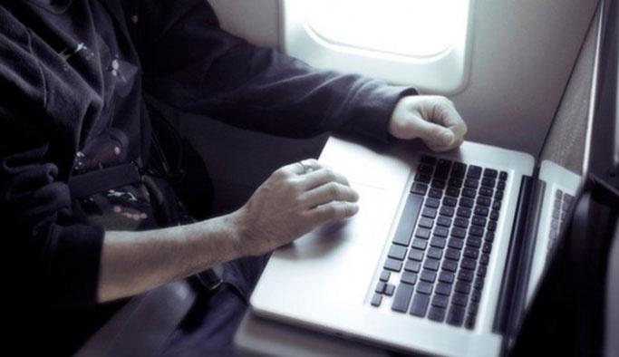 Uçaklarda laptop yasağı yarın kalkıyor