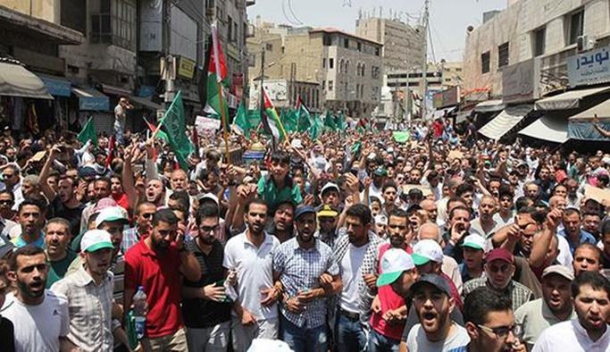 Ürdünlüler İsrail Büyükelçiliği'nin kapatılmasını istiyor