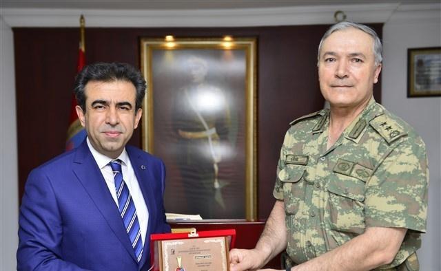 Vali Güzeloğlu, Tümgeneral Çitil'den brifing aldı
