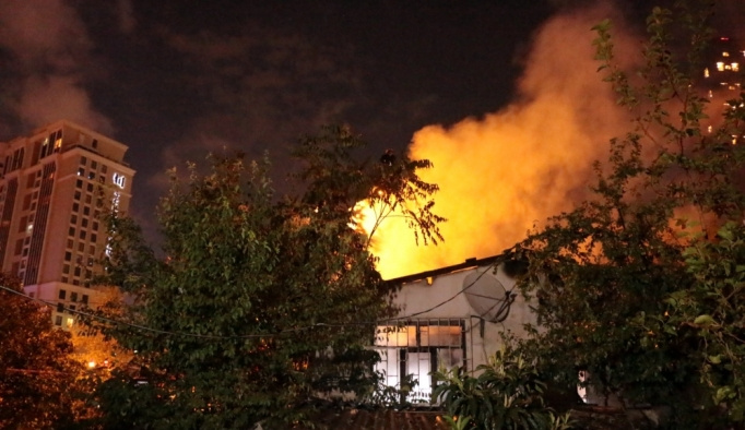 Ataşehir'de gecekondu yangını