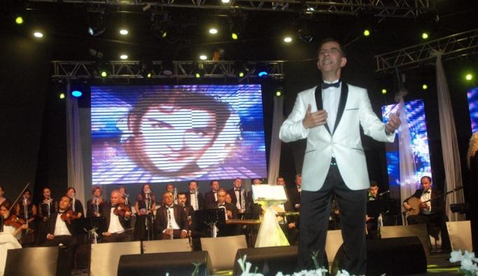 Bodrum'da Zeki Müren'i anma konseri