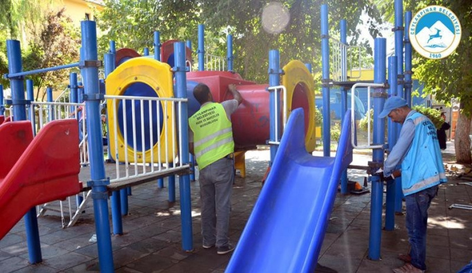 Ceylanpınar'daki parklar baştan aşağı yenileniyor