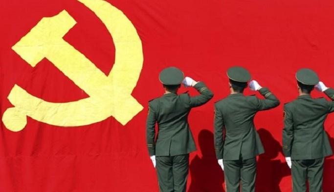 Çin'de Komünist Parti'yi eleştiren robotun fişini çektiler