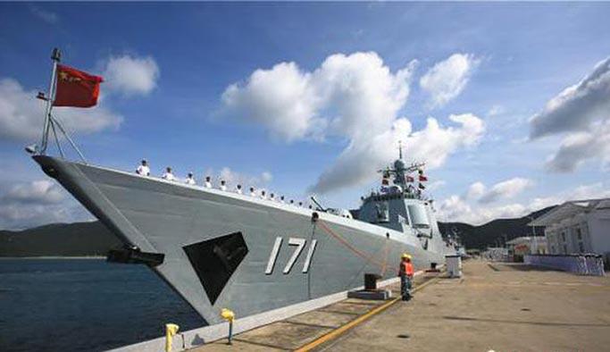Çin donanması Afrika sahillerinde