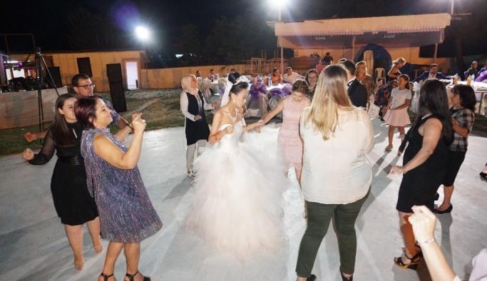Çinli geline Trakya düğünü