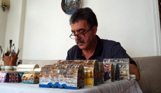 Deve kemiğini sanata eserine dönüştüren 37 yıllık minyatür ustası