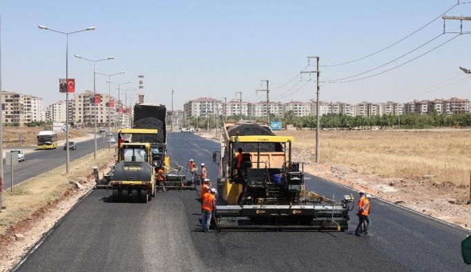 Diyarbakır'da 230 bin ton sıcak asfalt serildi