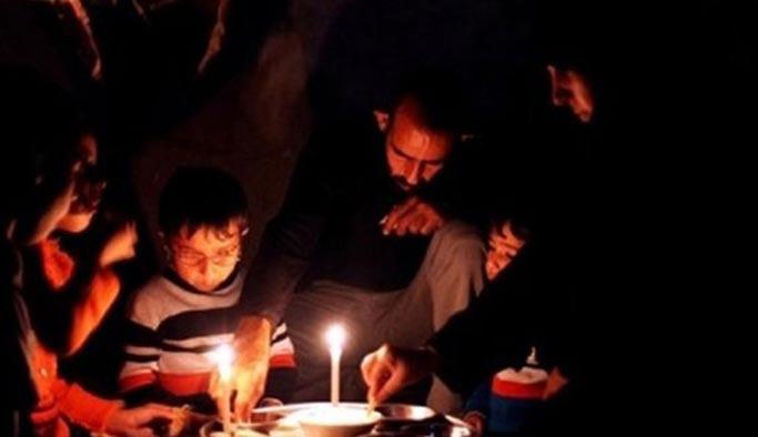 Gazze'de durum felakete doğru gidiyor, Sisi yardım kafilesini engelledi