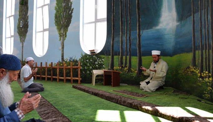 Hamidiye Camii değişik iç mimari ile ilgi topluyor