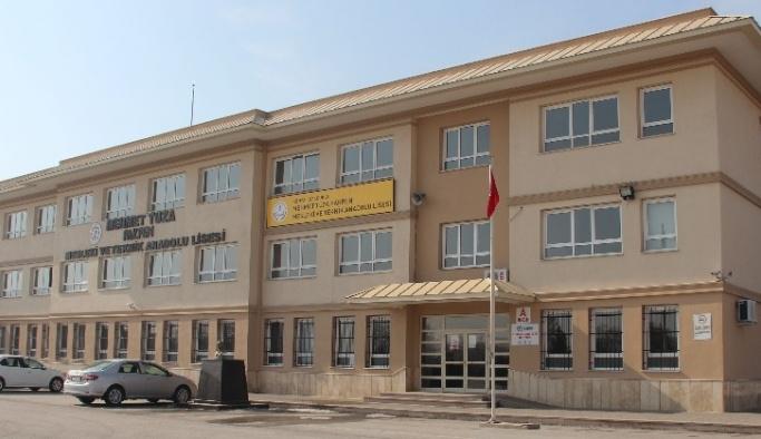 İmkanları cezbetti, öğrenciler KOS'taki bu okula akın etti