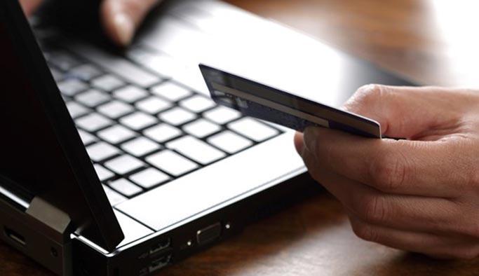 Kredi kartları için bugün dolan süre uzatıldı