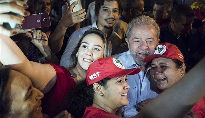 Onbinlerce kişi Lula için meydanlara indi