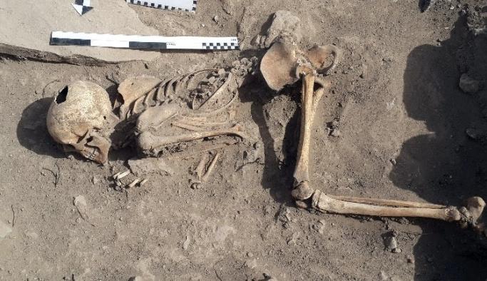 (Özel haber) Harput kazılarında insan iskeleti bulundu