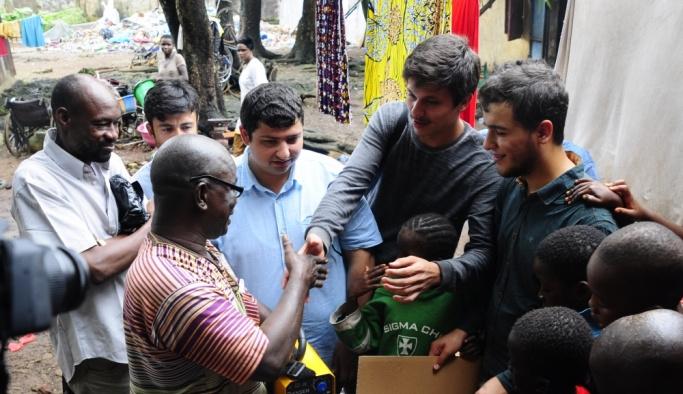 TİKA'nın gönüllü elçileri Gine'deki çalışmalarını tamamladı