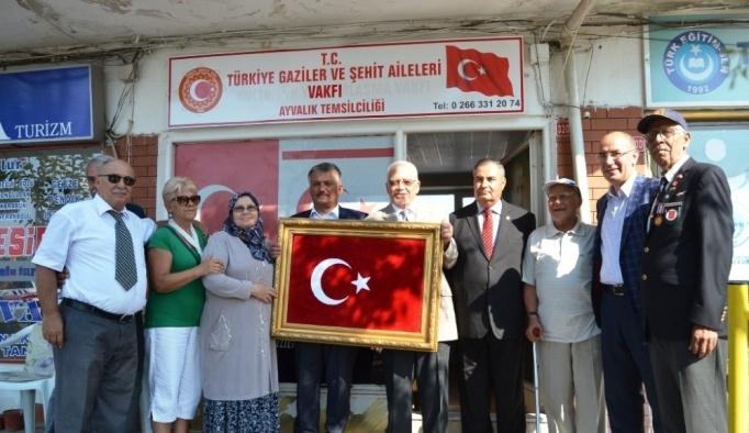 Vali Yazıcı'dan gaziler ve şehit ailelerine anlamlı ziyaret