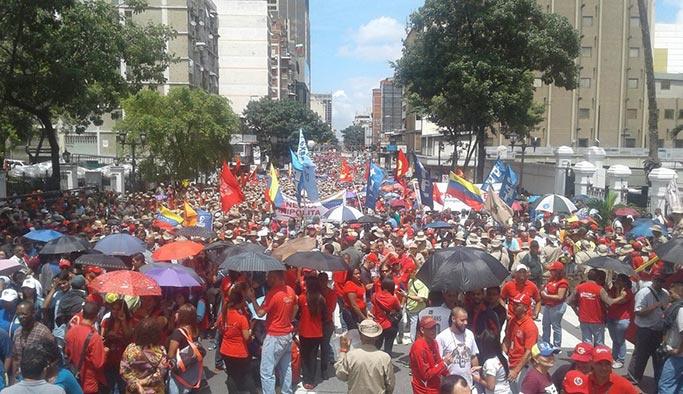 Venezuela halkı muhtemel Amerikan işgaline karşı harekete geçti