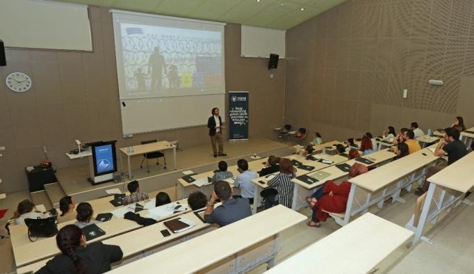 Yaşar Üniversitesi'nde göç yaz okulu düzenlendi