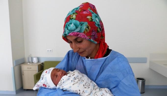 """Yeni doğum yapan annelere """"Anne Oteli"""" hizmeti"""