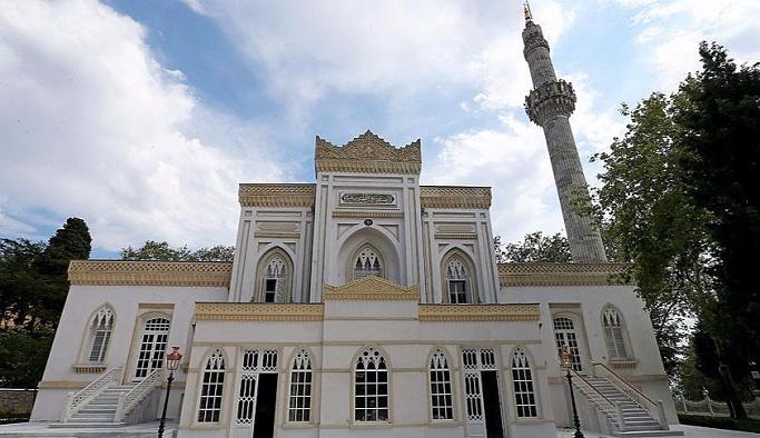 Yıldız Hamidiye Camii Cuma namazıyla açıldı