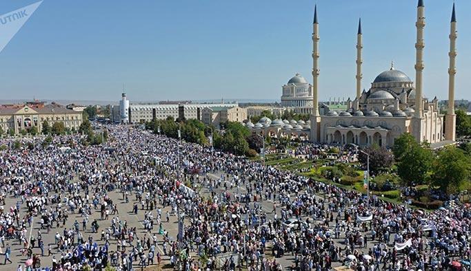 1 milyon Çeçen Arakan için meydanlara indi