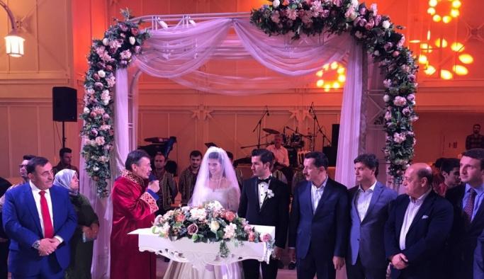 AA muhabiri Toruntay evlendi