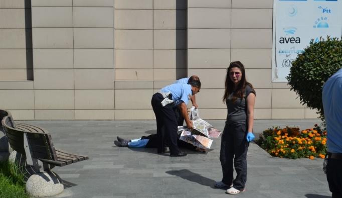 AVM'den düşen yaşlı kadın hayatını kaybetti