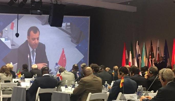 AYM Başkanı, Mısırlı başkanın yönettiği oturumda darbeleri eleştirdi