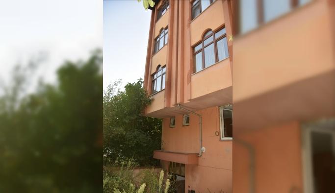 Bartın'da 4. kattan düşen bebek ağır yaralandı