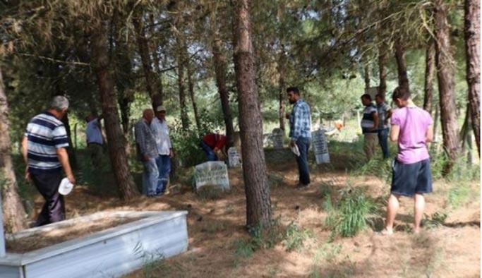 Belediye 150 yıllık mezarlığı sattı