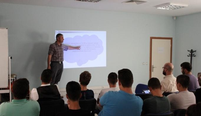 Beyaz Kalpler öğretmenlerinden seminer